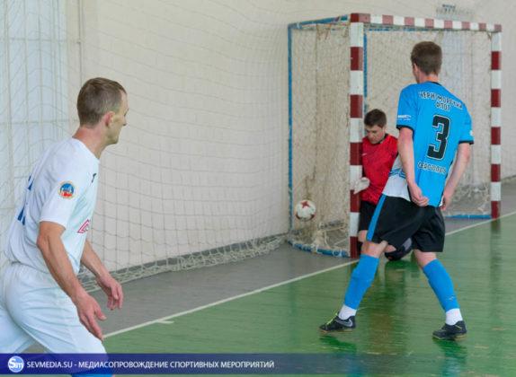 25032018 5 574x420 - Завершился чемпионат Севастополя по футзалу 2018 года