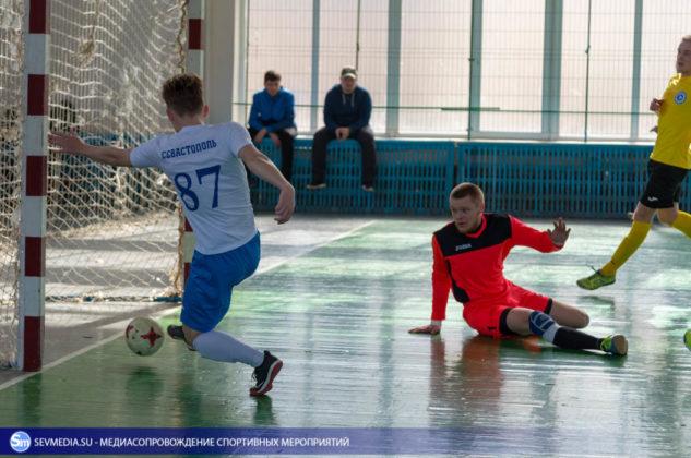 25032018 83 633x420 - Завершился чемпионат Севастополя по футзалу 2018 года