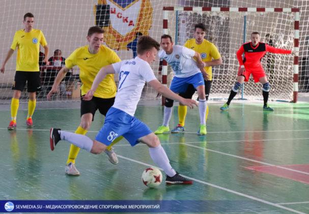 25032018 95 607x420 - Завершился чемпионат Севастополя по футзалу 2018 года
