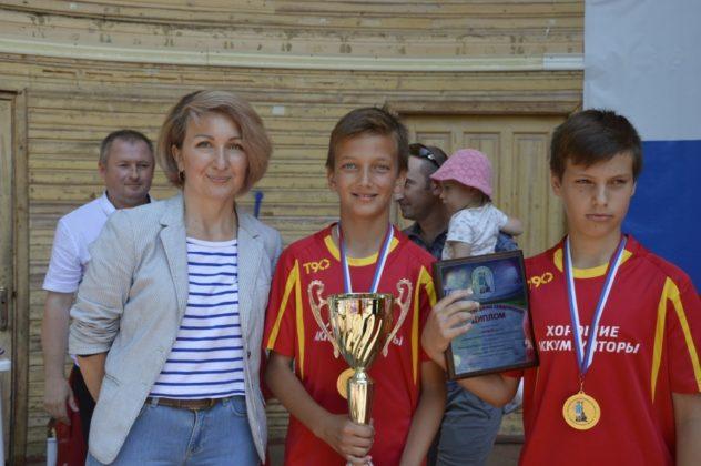 В Севастополе наградили участниц Фестиваля девичьего футбола