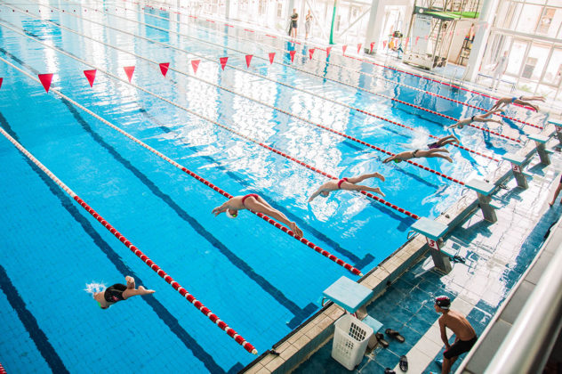 dsc 0012 632x420 - В севастопольском филиале МГУ проходит открытый турнир по плаванию