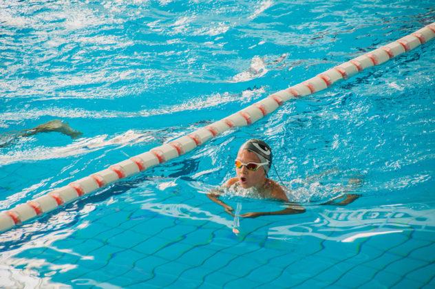 dsc 0832 632x420 - В севастопольском филиале МГУ проходит открытый турнир по плаванию