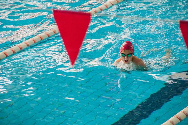 dsc 0936 632x420 - В севастопольском филиале МГУ проходит открытый турнир по плаванию