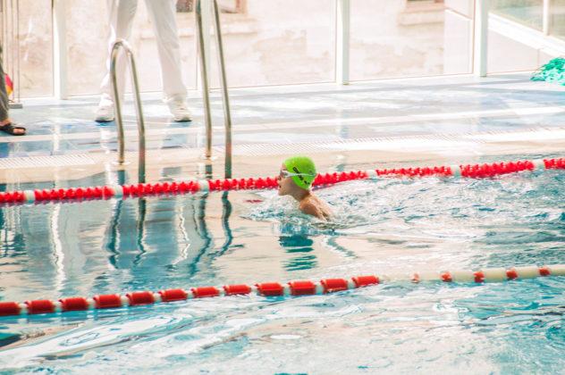 dsc 0948 632x420 - В севастопольском филиале МГУ проходит открытый турнир по плаванию