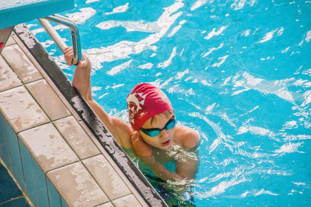 dsc 0955 632x420 - В севастопольском филиале МГУ проходит открытый турнир по плаванию