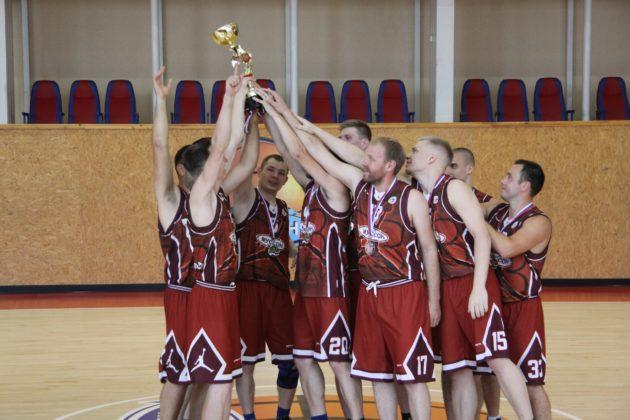 Состоялись финальные игры Второго дивизиона Открытого чемпионата Севастополя по баскетболу среди мужских команд