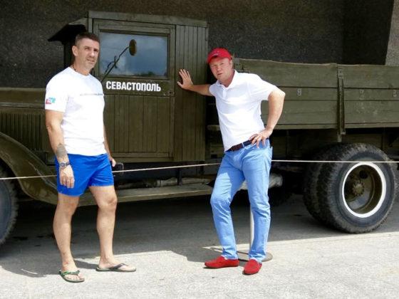 1iiuiwqvrby 560x420 - Севастополь посетил легенда российского бокса Андрей Гоголев