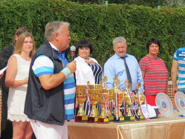 Стартовал теннисный турнир «Большая Бескозырка – 2018»