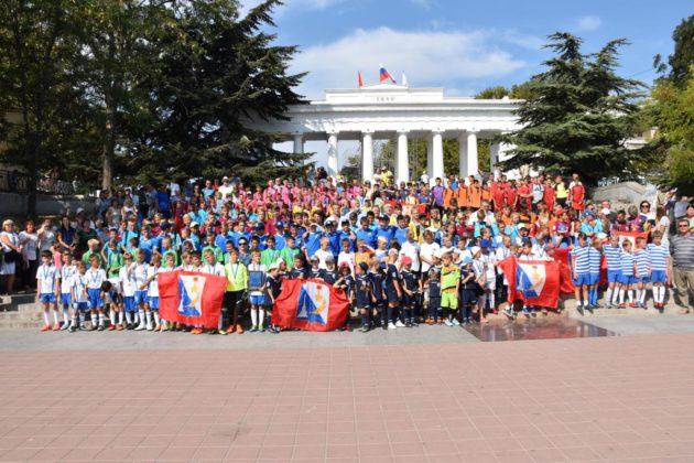 12 630x420 - Севастопольские юные футболисты получили традиционное напутствие перед началом нового сезона