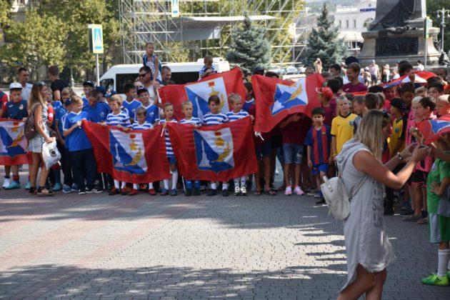 dsc 0140 630x420 - Севастопольские юные футболисты получили традиционное напутствие перед началом нового сезона