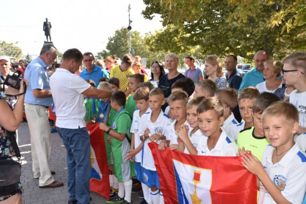 dsc 0145 630x420 - Севастопольские юные футболисты получили традиционное напутствие перед началом нового сезона