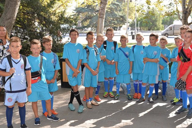 dsc 6154 629x420 - Севастопольские юные футболисты получили традиционное напутствие перед началом нового сезона