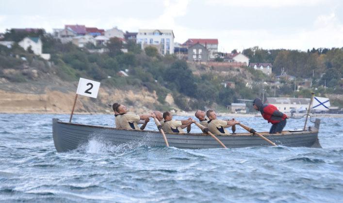 Сборные ВМФ и Северного флота лидируют после окончания гребной программы на Чемпионате ВС РФ по гребно-парусному двоеборью