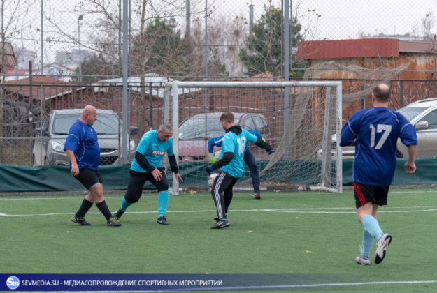 Завершился Кубок главы Гагаринского муниципалитета по мини-футболу среди ветеранских команд 40+