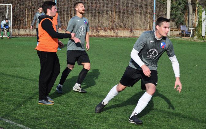 eog5yzcfzbs 672x420 - Стартовал восьмой «Кубок Федерации футбола Севастополя по мини-футболу памяти С.В. Дёмина»