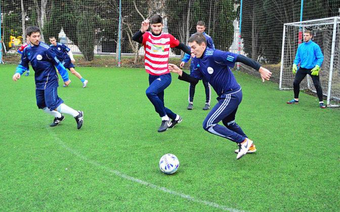 k1ajhfxk1nc 672x420 - Стартовал восьмой «Кубок Федерации футбола Севастополя по мини-футболу памяти С.В. Дёмина»