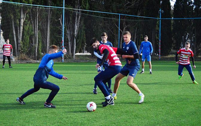 Стартовал восьмой «Кубок Федерации футбола Севастополя по мини-футболу памяти С.В. Дёмина»
