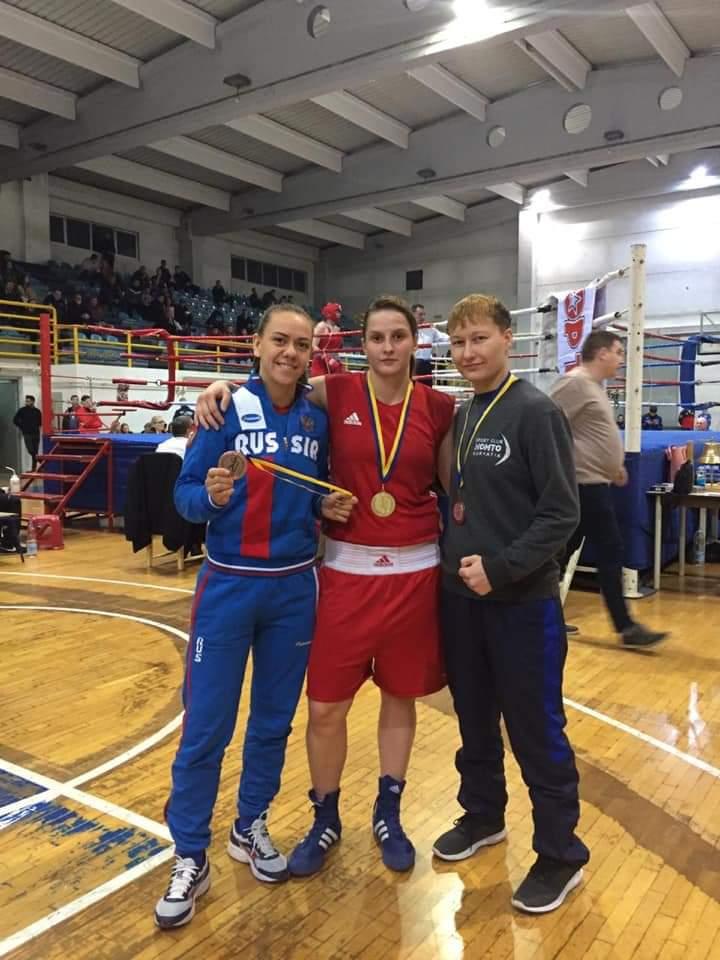 Студентка из Севастополя победила в Международном турнире по боксу