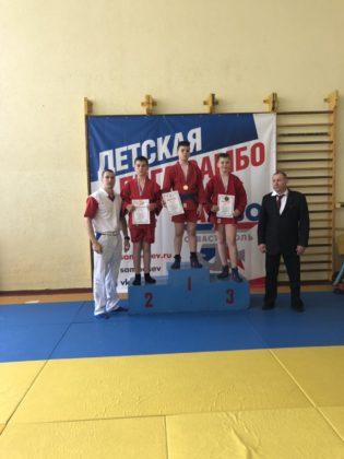 jzykddxhor0 315x420 - В Севастополе прошел I этап регионального турнира «Детская лига самбо»