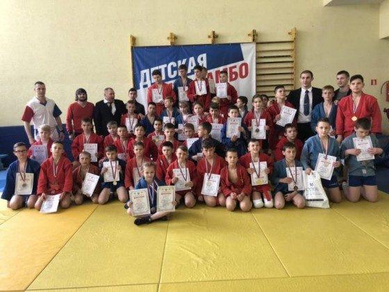 obshchaja 560x420 560x420 - В Севастополе прошел I этап регионального турнира «Детская лига самбо»