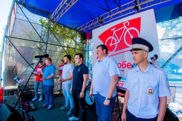 2978 632x420 - Росгвардейцы приняли участие в тематическом велопробеге в Севастополе