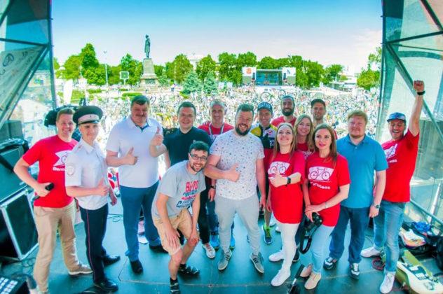 2995 632x420 - Росгвардейцы приняли участие в тематическом велопробеге в Севастополе