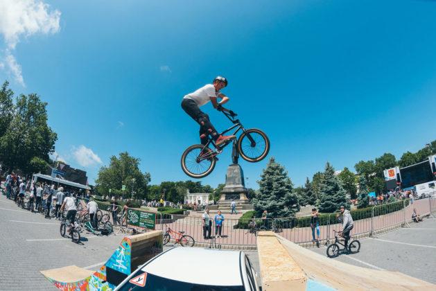 a zzx1g0ozo 629x420 - Росгвардейцы приняли участие в тематическом велопробеге в Севастополе