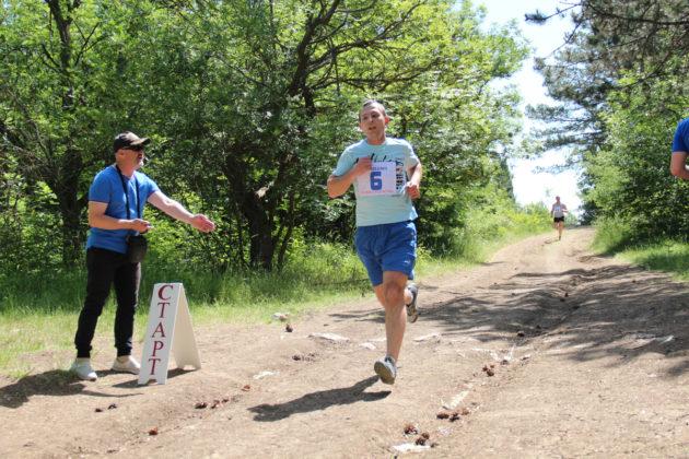 01062019 18 630x420 - Росгвардейцы заняли призовые места на межведомственных соревнованиях по легкоатлетическому кроссу в Севастополе