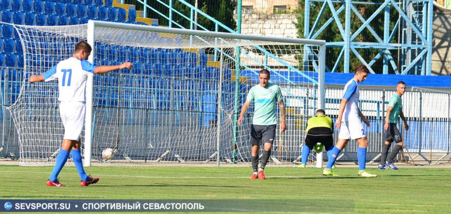 10082019 sevcup 24 885x420 - Кубок города по футболу остается у «Черноморца»