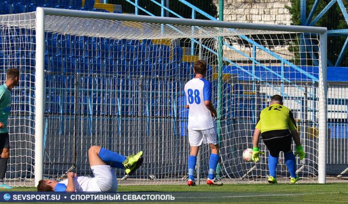 10082019 sevcup 27 718x420 - Кубок города по футболу остается у «Черноморца»