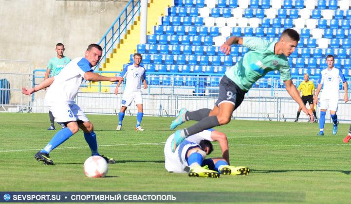 10082019 sevcup 28 721x420 - Кубок города по футболу остается у «Черноморца»