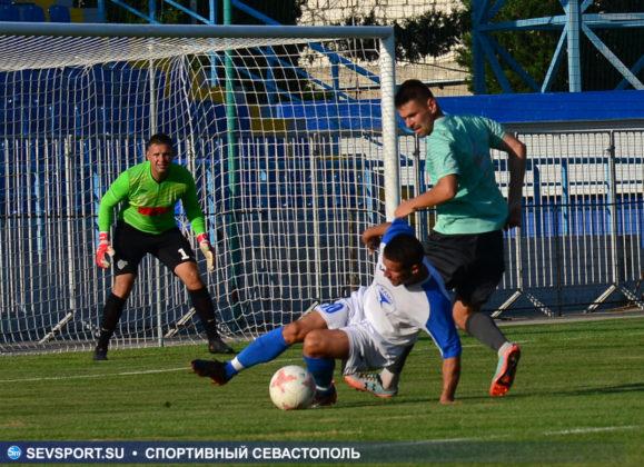 10082019 sevcup 34 579x420 - Кубок города по футболу остается у «Черноморца»
