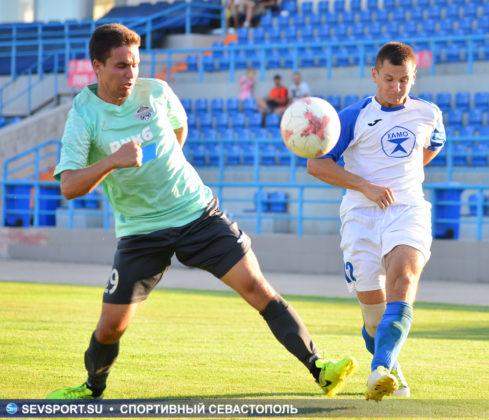 10082019 sevcup 36 489x420 - Кубок города по футболу остается у «Черноморца»
