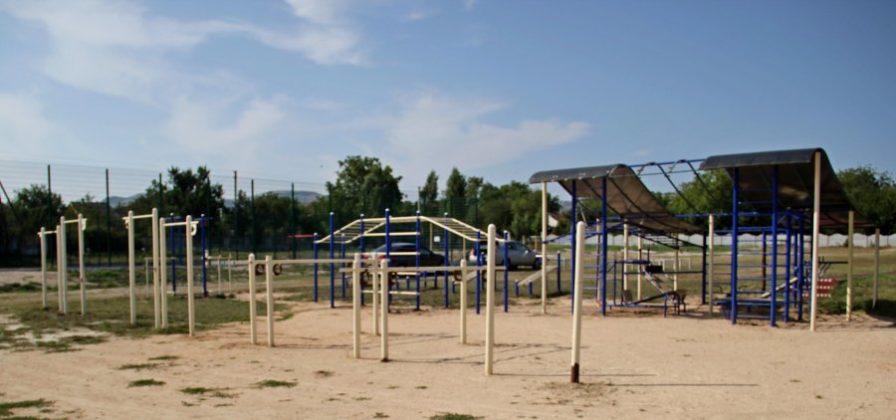 img 2508 896x420 - К новому учебному году в школе №47 села Орлиное появится новый спортивный объект