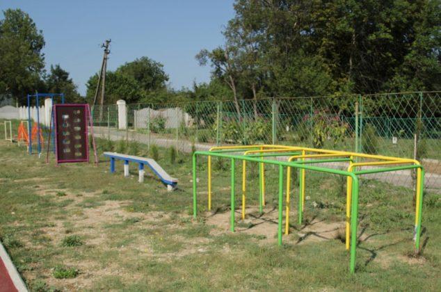img 2515 634x420 - К новому учебному году в школе №47 села Орлиное появится новый спортивный объект