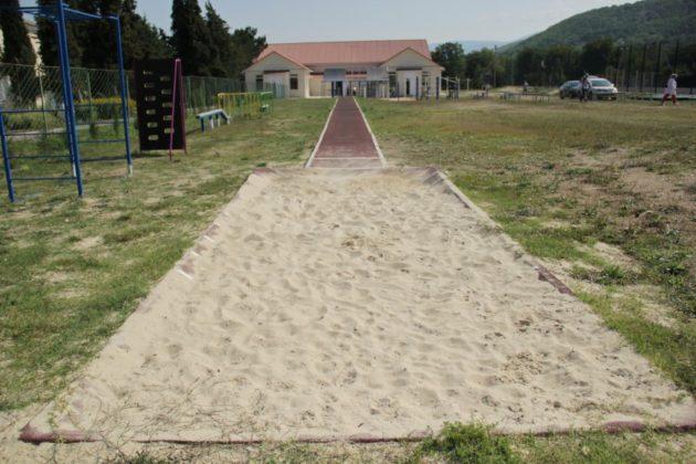 img 2520 630x420 - К новому учебному году в школе №47 села Орлиное появится новый спортивный объект