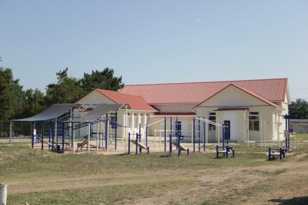 img 2531 630x420 - К новому учебному году в школе №47 села Орлиное появится новый спортивный объект