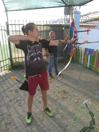 08 09 2019 luchniki 15 315x420 - Севастопольские лучники вернулись с медалями с турнира по 3D стрельбе