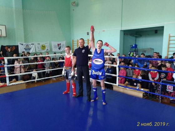 Десять золотых и семь серебряных медалей привезли с чемпионата Крыма по тайскому боксу юные севастопольцы
