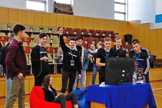 Первый в истории Севастополя турнир по кибербоксу прошел в СевГУ