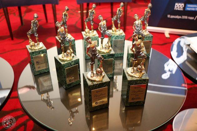 imgs prizvanie 20191209 2 cfu2015com 900 600 630x420 - Лауреатами футбольной премии «Призвание» стали двое севастопольцев