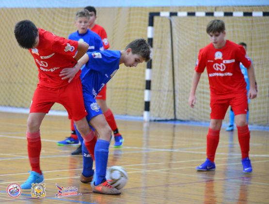 20012020 111 555x420 - «Мини-футбол - в школу» 2020: стартовал городской финал среди команд общеобразовательных учреждений