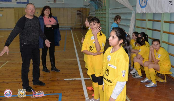 20012020 129 724x420 - «Мини-футбол - в школу» 2020: стартовал городской финал среди команд общеобразовательных учреждений