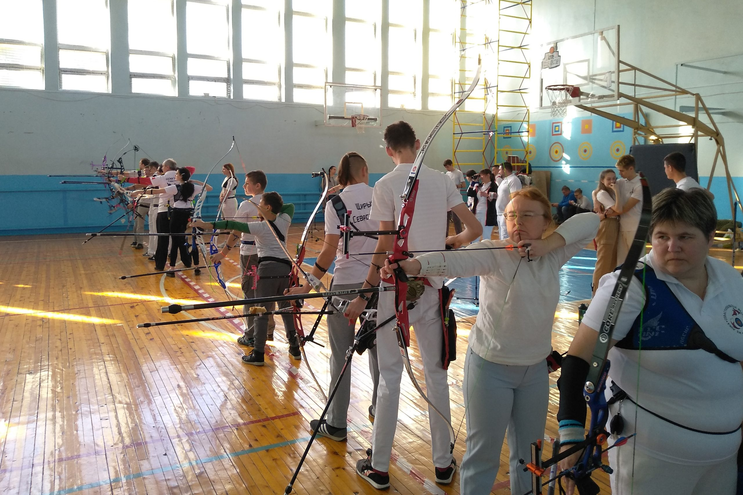 В яблочко! Чемпионат и первенство города по стрельбе из лука прошли в СевГУ
