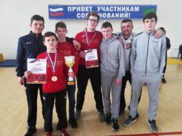 Артём Ищенко и Дмитрий Герасин завоевали золото и бронзу на первенстве ЮФО по греко-римской борьбе